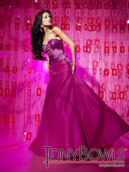 Tony Bowls Le Gala 112524 at Prom Dress Shop