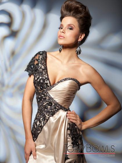 Tony Bowls Evenings TBE21262 at Prom Dress Shop 