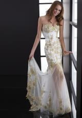 Jasz Couture 5089.  Available in White/Gold
