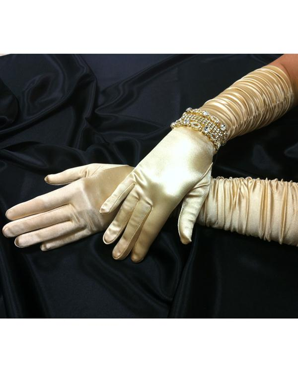 Charming Scrunchy Light Gold Gloves